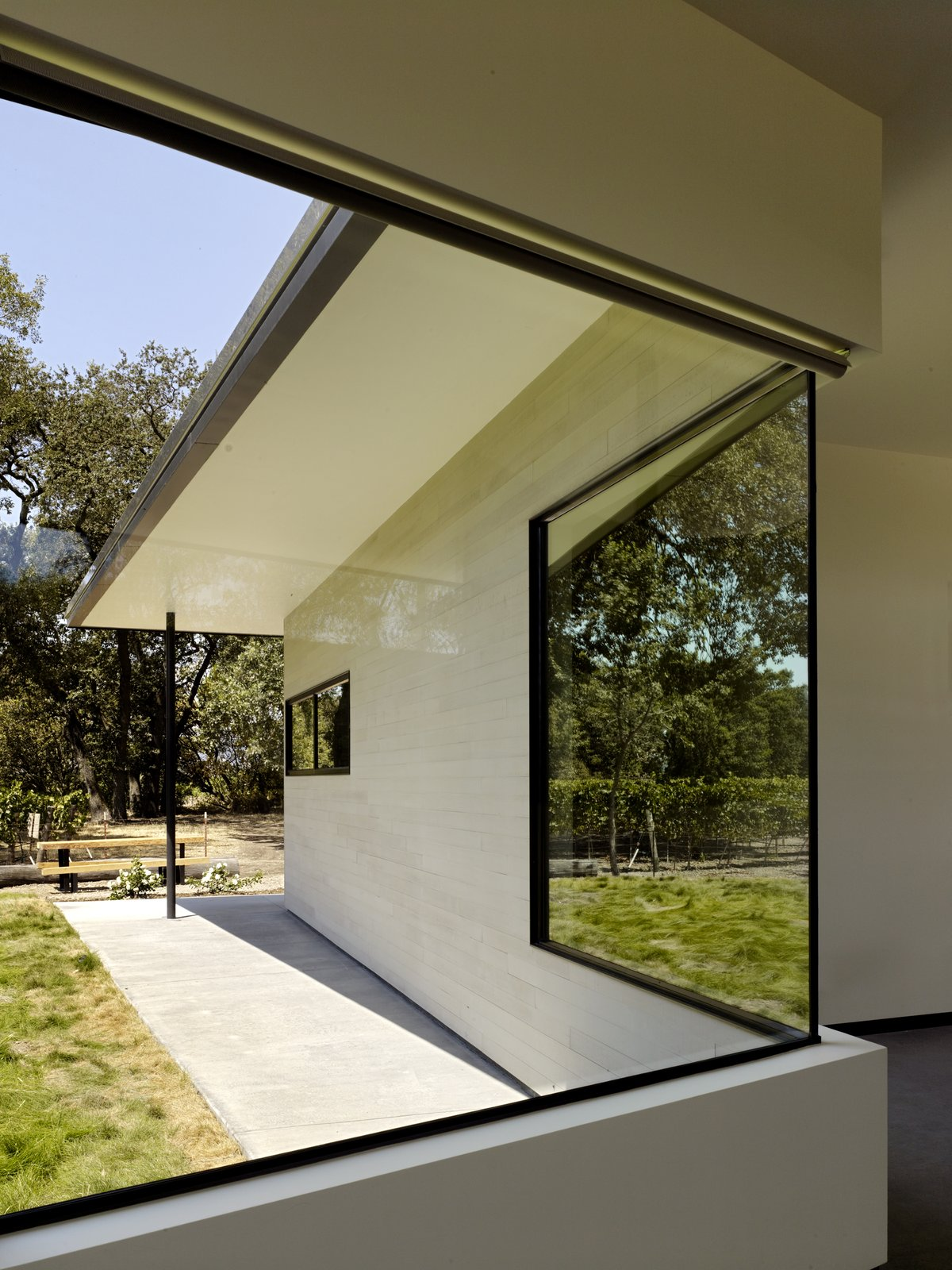 Hydeaway House by Schwartz and Architecture