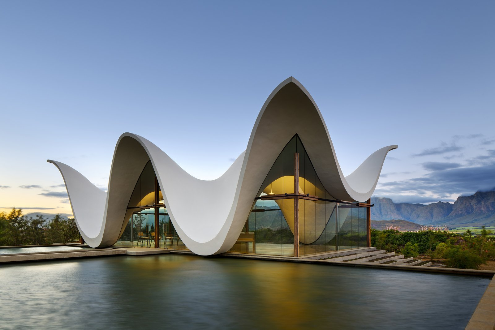 10 Modern Wedding Venues That Will Make Your Big Day Unforgettable: Wedding Venues By The Water At Reisefeber.org