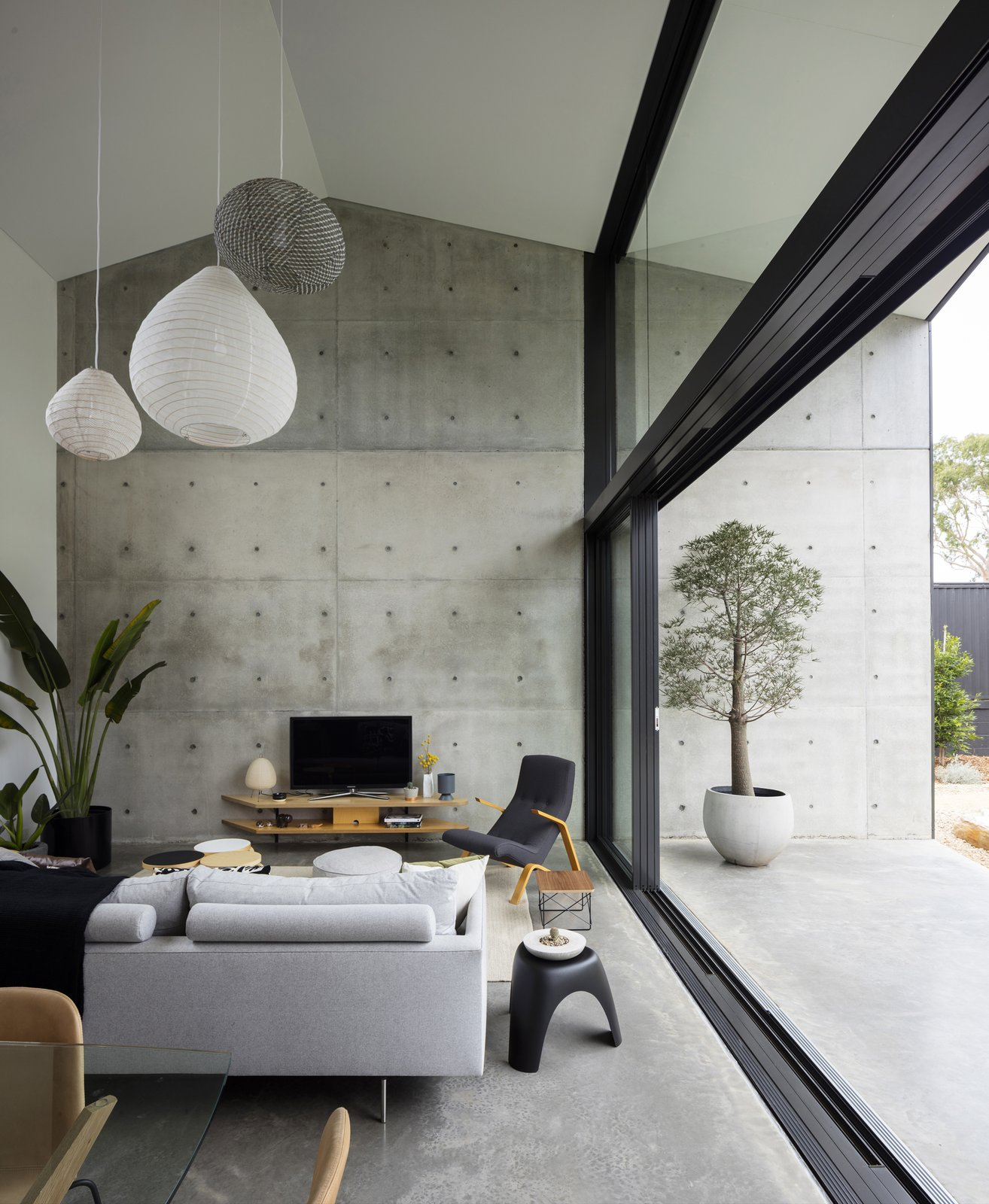Top 5 Homes of the Week That Champion Concrete Design