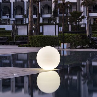 Smart & Green Globe LED Indoor / Outdoor Lamp