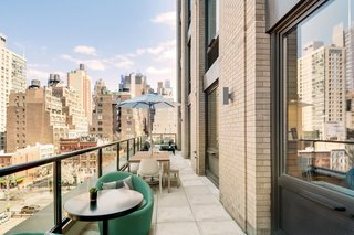 Home Tour: New York Apartment in Hudson Yards - Photo 5 of 6 -