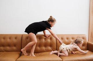 Wells leather sofa in Portofino cognac
