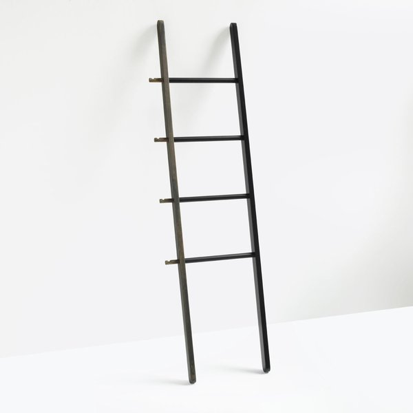 Hub Walnut Ladder