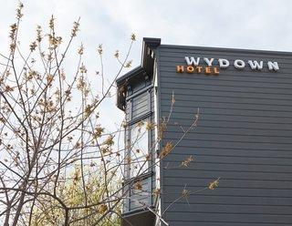 Niche Modern Hotel Lighting Adds Warm Glow to Wine Country's Wydown - Photo 3 of 3 -