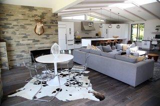 Kitchen Island Modern Lighting Adds Minimalist Feel to California Home - Photo 3 of 4 -