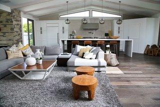 Kitchen Island Modern Lighting Adds Minimalist Feel to California Home - Photo 4 of 4 -