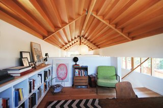 This Bright and Airy Backyard Cottage in Los Angeles Feels Like a Cabin in the Woods