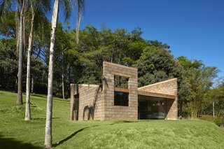 This 484-Square-Foot Tiny House in Brazil Is as Sculptural as it Is Sustainable