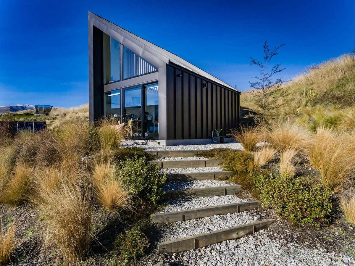 Photo 15 of 24 in Check Out These 23 Tiny Houses Perfect for an Autumn Getaway