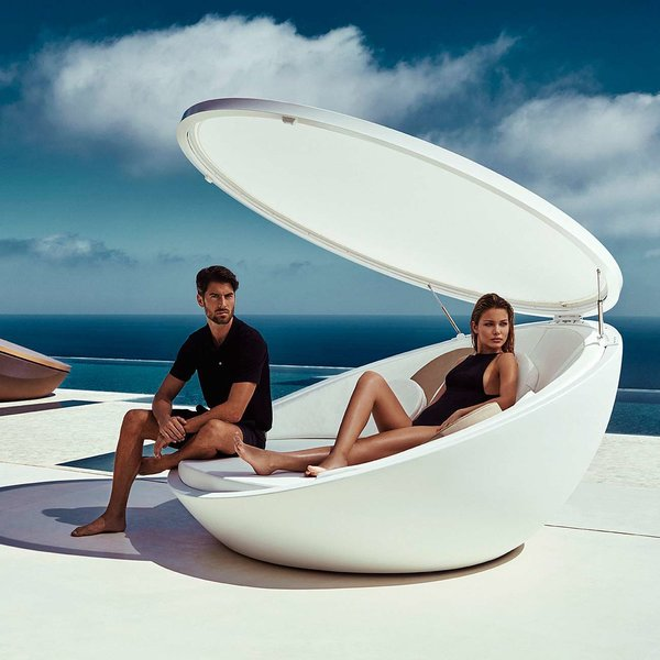 Ulm Daybed with Parasol from Vondom