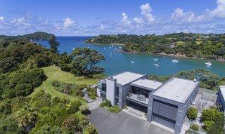 An Elegant Hideaway In New Zealand Hits the Market