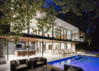 An Award-Winning Midcentury Home in the Lush Cincinnati Hillside Asks $2.55M