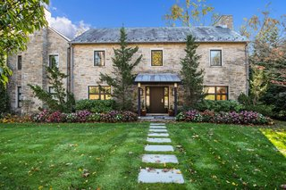 A Showstopping Home in New York Asks $2.59M