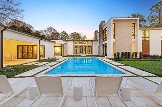 A Glamorous Residence Outside Atlanta Asks $6.99M