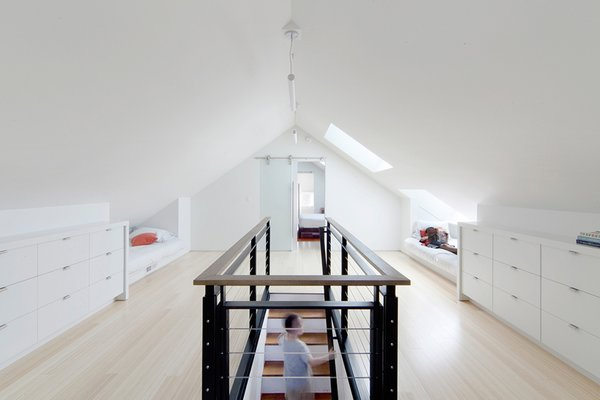 10 Bright and Airy Modern Attic Renovations
