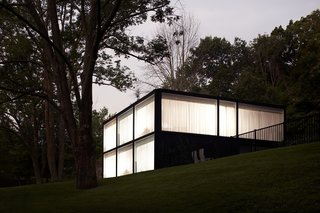 Glass Takes Center Stage in These 10 See-Through Homes - Photo 7 of 10 -