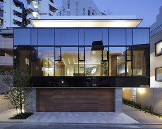 Glass Takes Center Stage in These 10 See-Through Homes - Photo 9 of 10 -