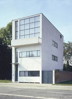 Maison Guiette, also known as Les Peupliers, is located in Antwerp, Belgium, and is Le Corbusier's only remaining work in the country. A classic early example of the International Style, the residence was the studio and home of René Guiette, a painter and art critic—and was also once home to Belgian fashion designer Ann Demeulemeester.