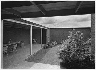 The Evans W. and Helene Hidden Van Buren House courtyard in  Portland, Oregon (1948), featured in House and Home Magazine in 1954.
