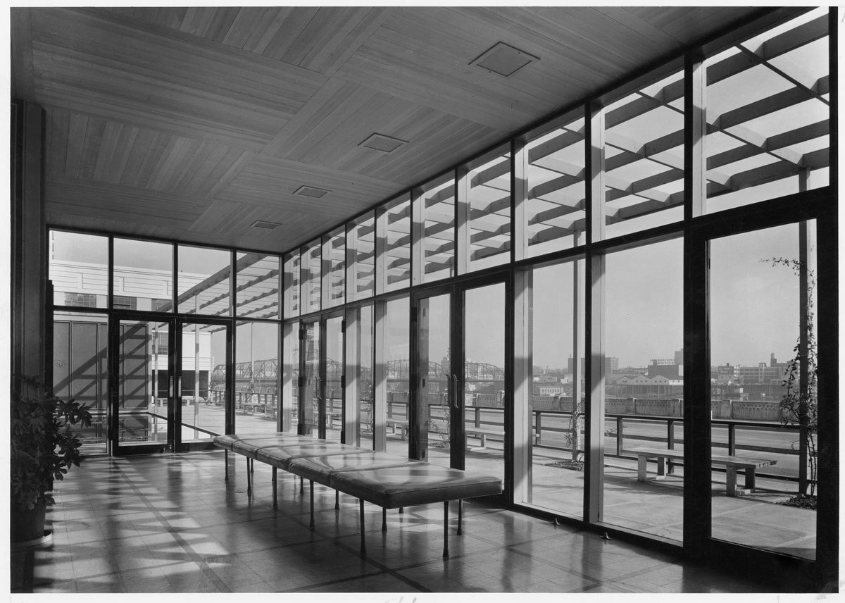 The Portland Visitors Information Center, 1948.  Photo 8 of 15 in Spotlight on John Yeon, the Father of Northwest Regional Architecture