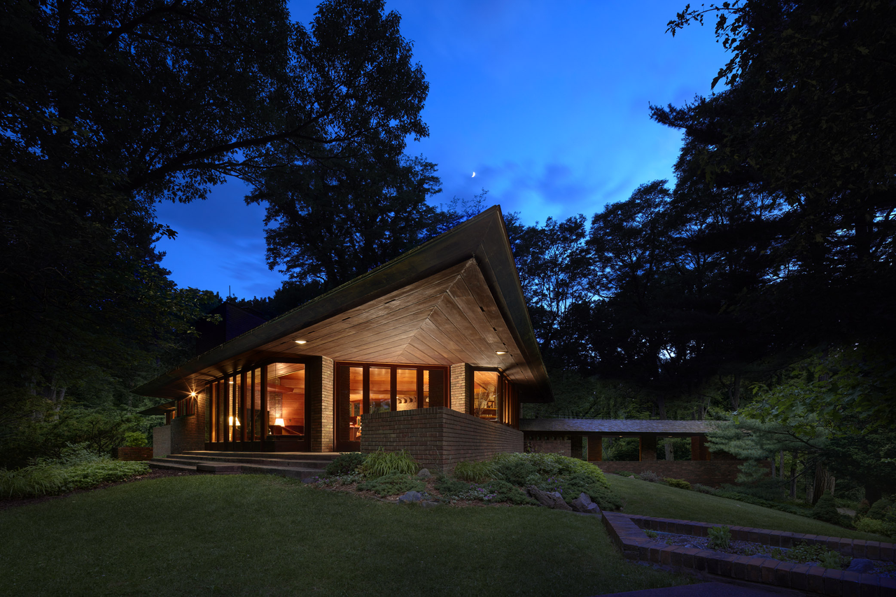 10 Frank Lloyd Wright Homes Available to Rent Right Now
