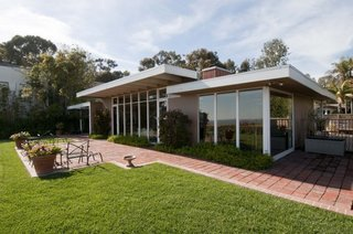 The West House by Rodney Walker in Los Angeles' Pacific Palisades neighborhood.
