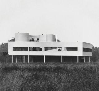 Le Corbusier: Villa Savoye in Poissy, France, 1928-1931