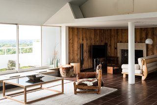 Modernist Architect Berthold Lubetkin's Former London Penthouse Is For Sale - Photo 3 of 8 -