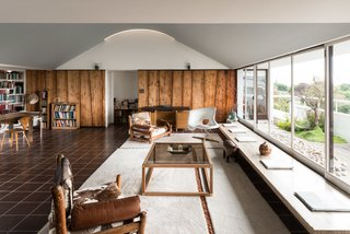 Modernist Architect Berthold Lubetkin's Former London Penthouse Is For Sale - Photo 4 of 8 -