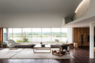 Modernist Architect Berthold Lubetkin's Former London Penthouse Is For Sale - Photo 1 of 8 -