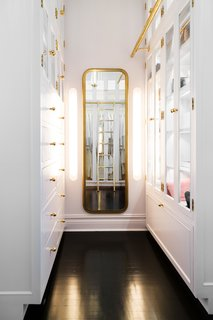 A 19th-Century Schoolhouse in Brooklyn Becomes a Classy Apartment - Photo 16 of 21 -