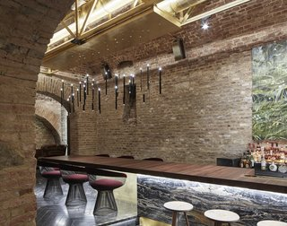 An Underground Speakeasy in Vienna Is Turned Into a Chic Cocktail Lounge - Photo 7 of 18 -