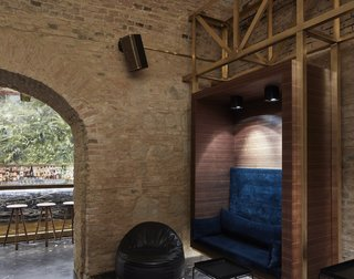 An Underground Speakeasy in Vienna Is Turned Into a Chic Cocktail Lounge - Photo 16 of 18 -