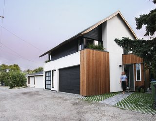 Can Compact Laneway Houses Like This One in Canada Transform Inner-City Neighborhoods?
