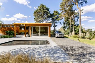 A Modernist Time Capsule by Erno Goldfinger Asks $4M - Photo 2 of 19 -