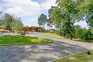 A Modernist Time Capsule by Erno Goldfinger Asks $4M - Photo 4 of 19 -