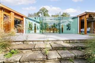 A Modernist Time Capsule by Erno Goldfinger Asks $4M - Photo 6 of 19 -
