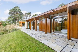 A Modernist Time Capsule by Erno Goldfinger Asks $4M - Photo 5 of 19 -