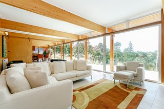 A Modernist Time Capsule by Erno Goldfinger Asks $4M - Photo 13 of 19 -