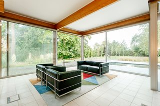A Modernist Time Capsule by Erno Goldfinger Asks $4M - Photo 14 of 19 -