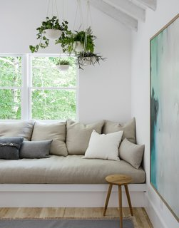 A Hamptons Beach Retreat Gets a Scandinavian-Style Makeover - Photo 11 of 19 -