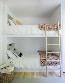 A Hamptons Beach Retreat Gets a Scandinavian-Style Makeover - Photo 13 of 19 -