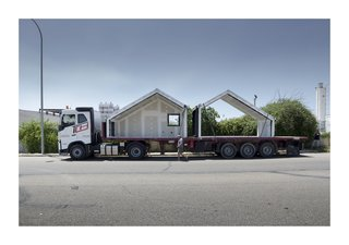This Affordable Prefab in Spain Only Took 5 Hours to Assemble - Photo 4 of 14 -