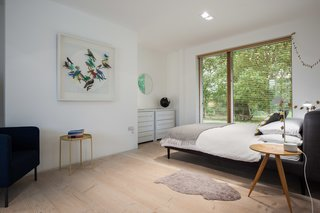 A Scandinavian-Style Pavilion in England Is Listed For $2.1M - Photo 8 of 11 -
