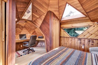 A Geodesic Getaway in Northern California Asks $475K - Photo 11 of 13 -