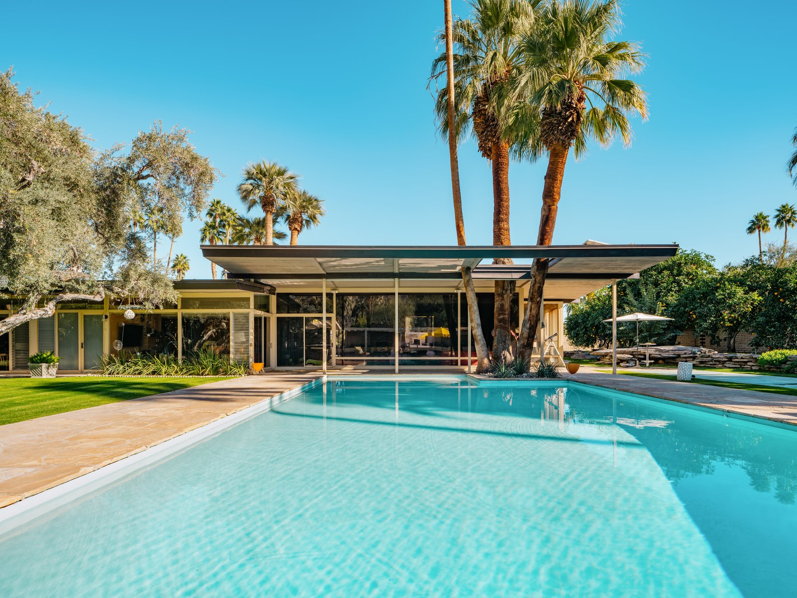 A Luminous Palm Springs Midcentury Asks 3 35m Dwell