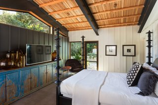 A Private California Compound Hits the Market at $5M - Photo 12 of 23 -