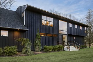 A Renovated Farmhouse in the Hamptons Hits the Market at $2.8M