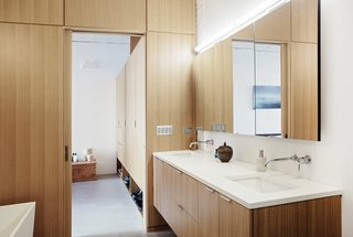 A look at the en-suite bathroom.