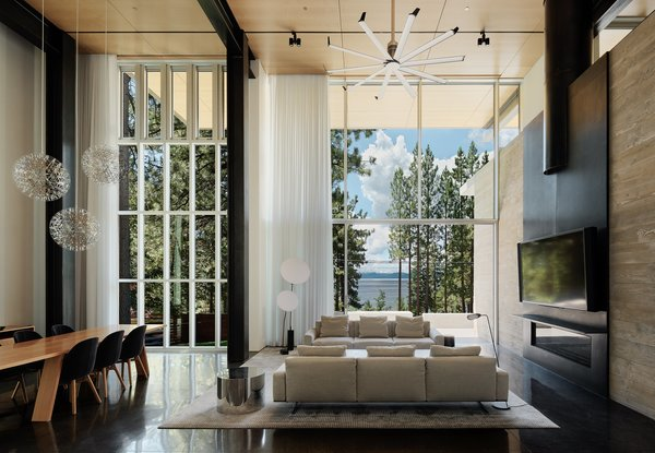 An Uplifting Lake Tahoe Retreat Uses Light as a Building Material